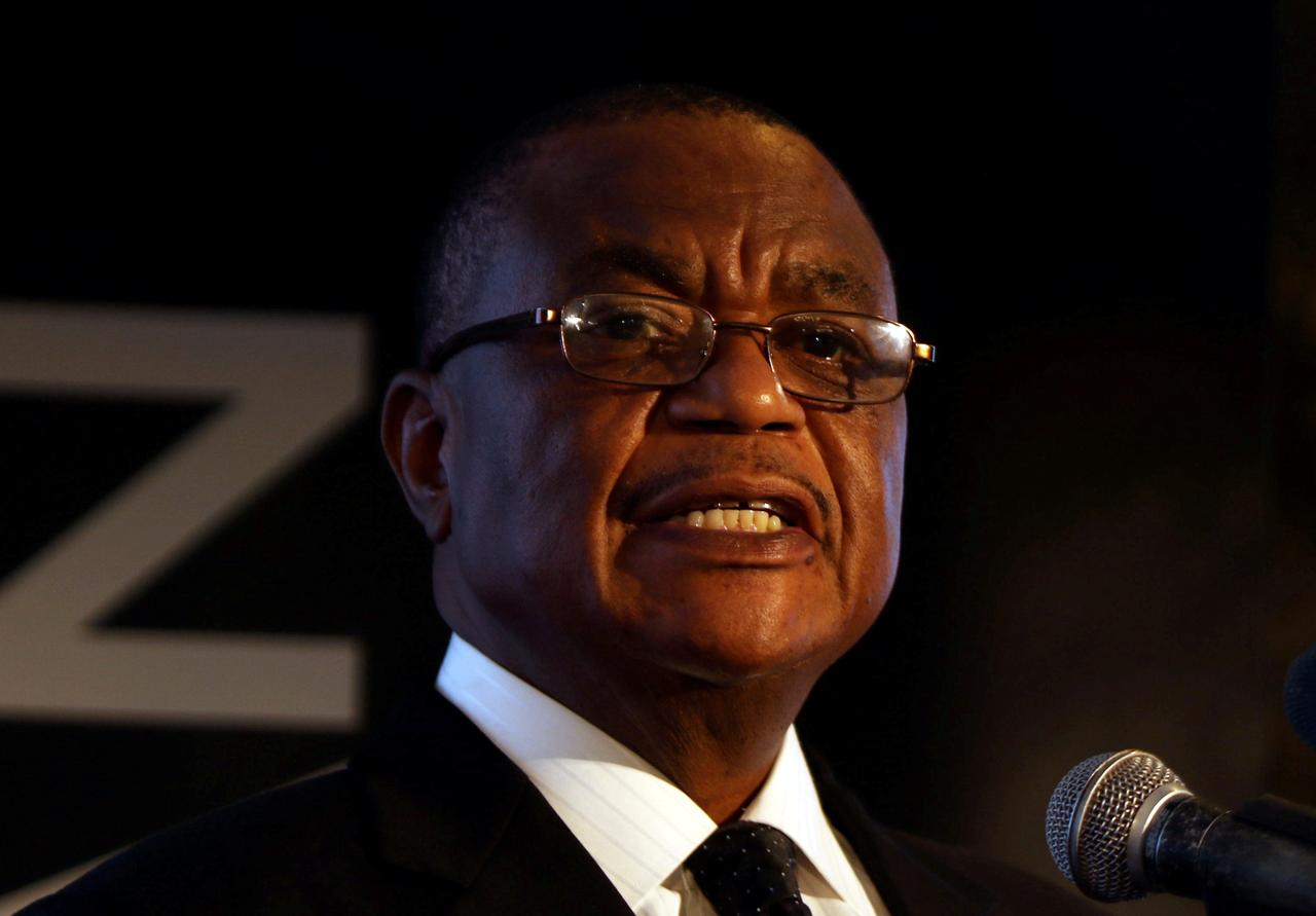 Zimbabwe's vice president returns after four months in China receiving medical treatment