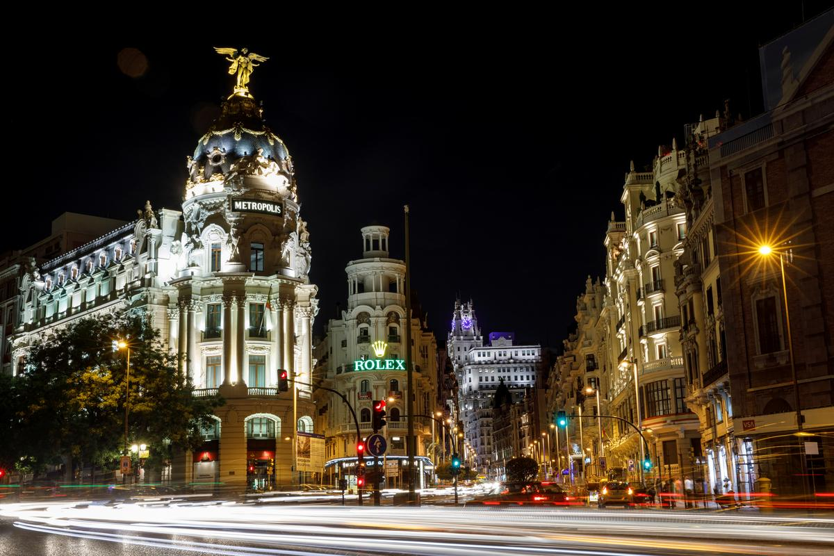 Spanish services activity speeds up in November on domestic demand:...