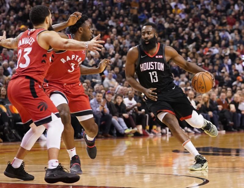 Nba Roundup Harden Withstands Elbow Helps Rockets Top