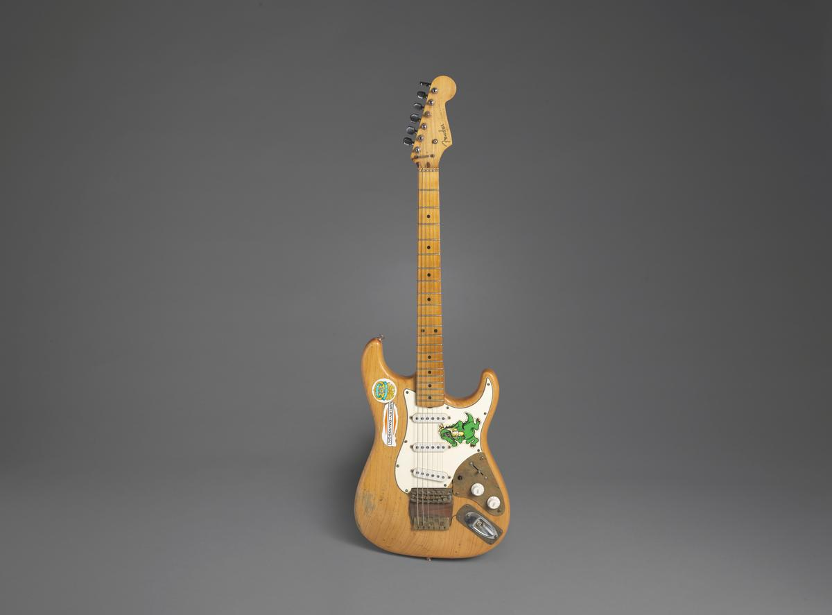 Jerry Garcia's Alligator guitar could sell for $400,000 at L.A....