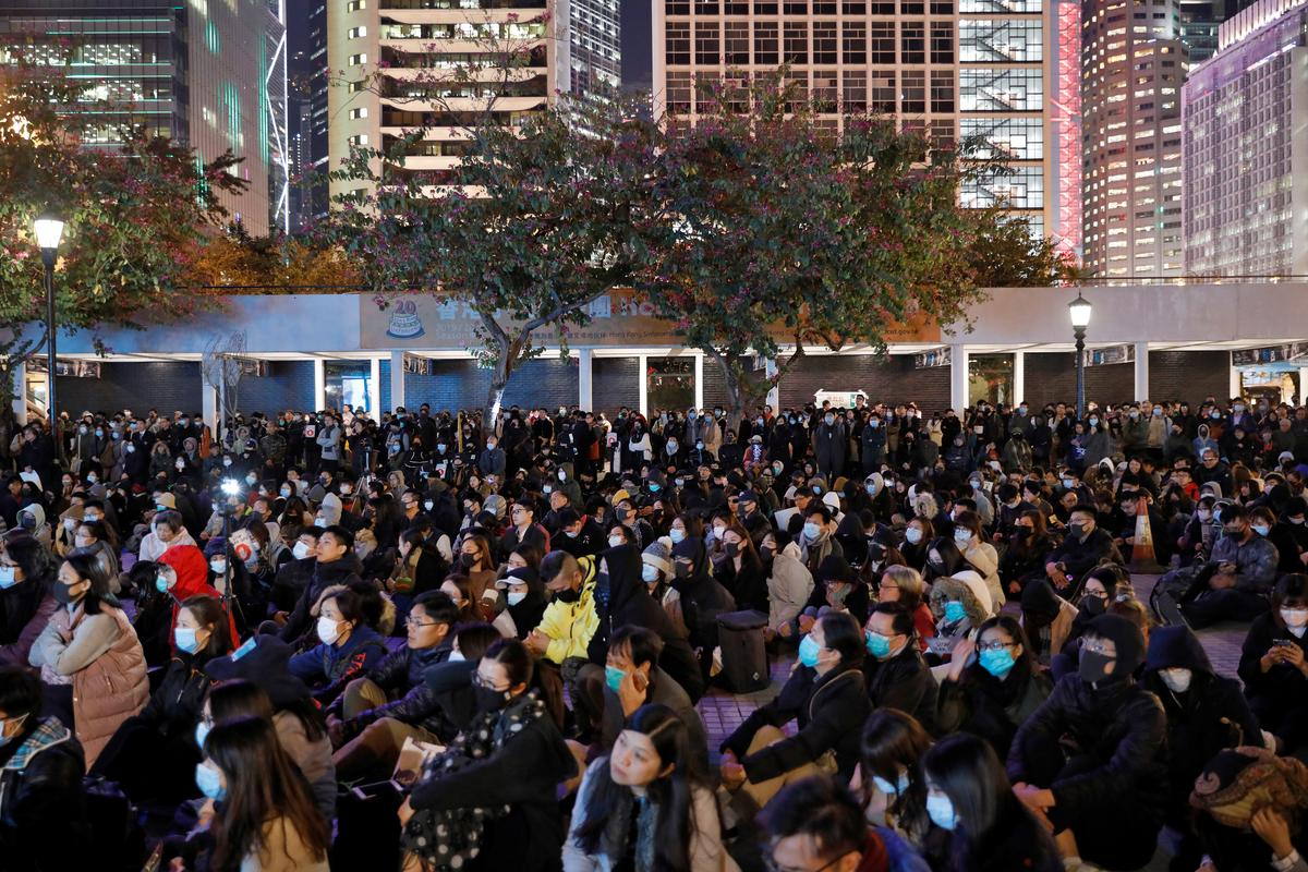 Hong Kong police chief calls for peaceful weekend protest