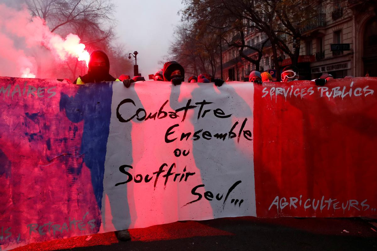 Factbox: Where is France's public sector strike being felt the hardest?
