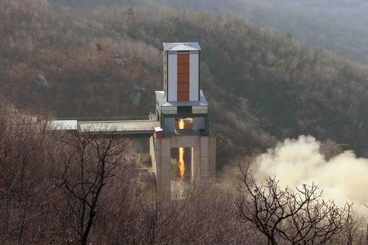 北朝鮮、東倉里で「非常に重要な」実験成功 エンジン試験か
