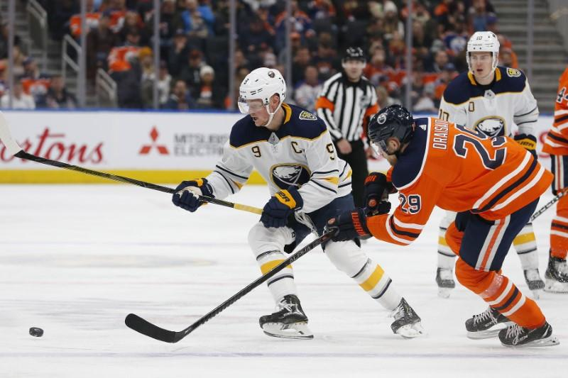 Eichel extends streak, Sabres down Oilers in OT