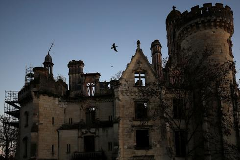 Commoners buy fairytale French castle