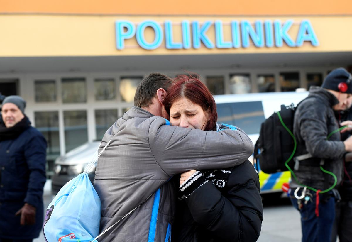 Gunman kills six in Czech hospital waiting room before shooting...