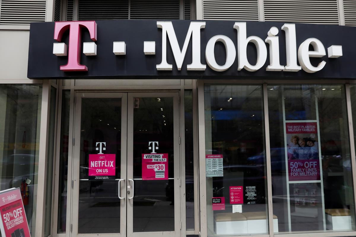 Deutsche Telekom CEO denies T-Mobile/Sprint deal will reduce competition
