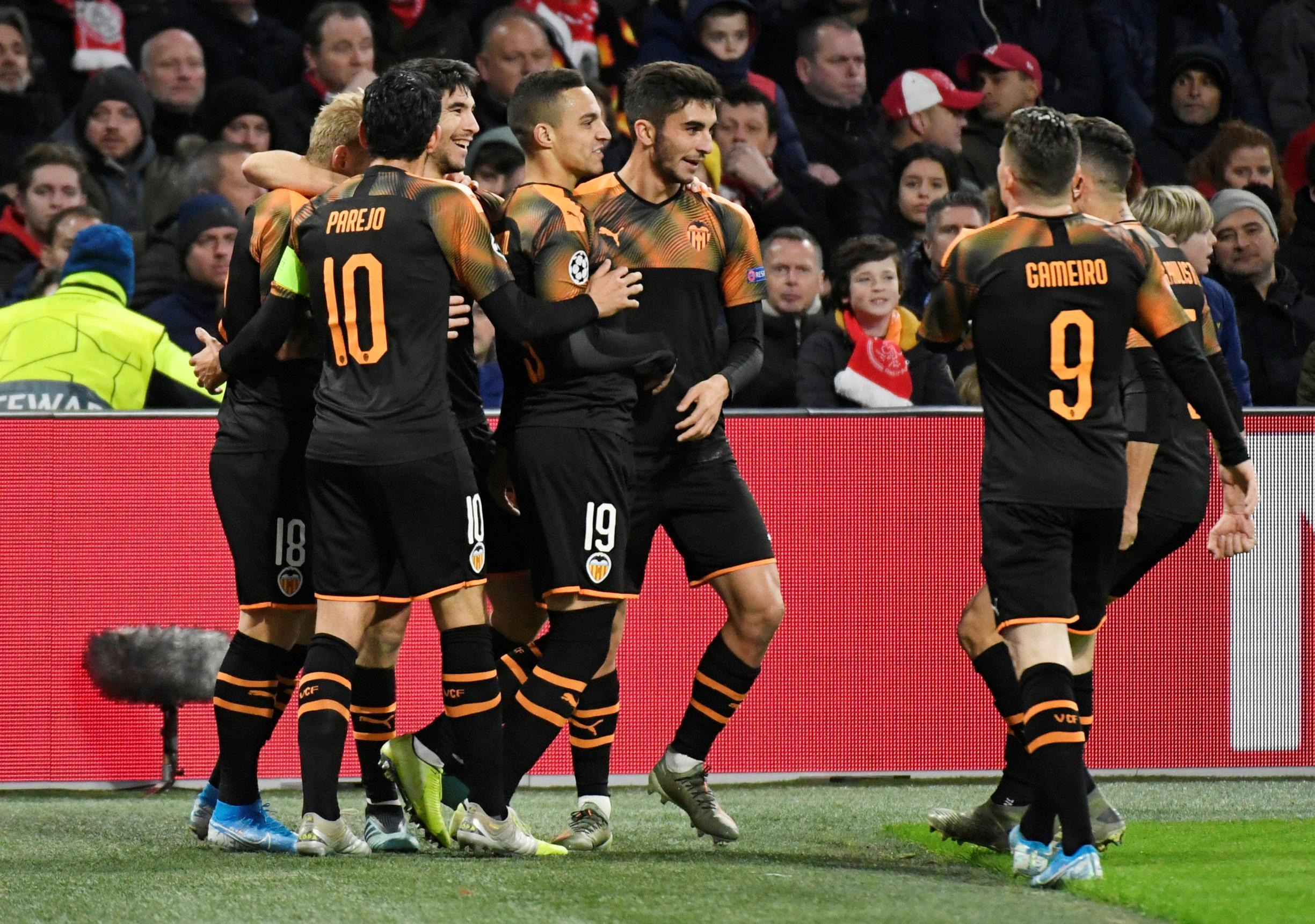 Valencia eliminate Ajax and progress with Rodrigo winner