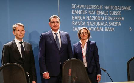 UPDATE 2-Swiss National Bank indicates negative rates to stay for long haul