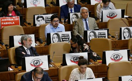 UPDATE 2-Chilean lawmakers reject move to impeach President Pinera over rights abuses