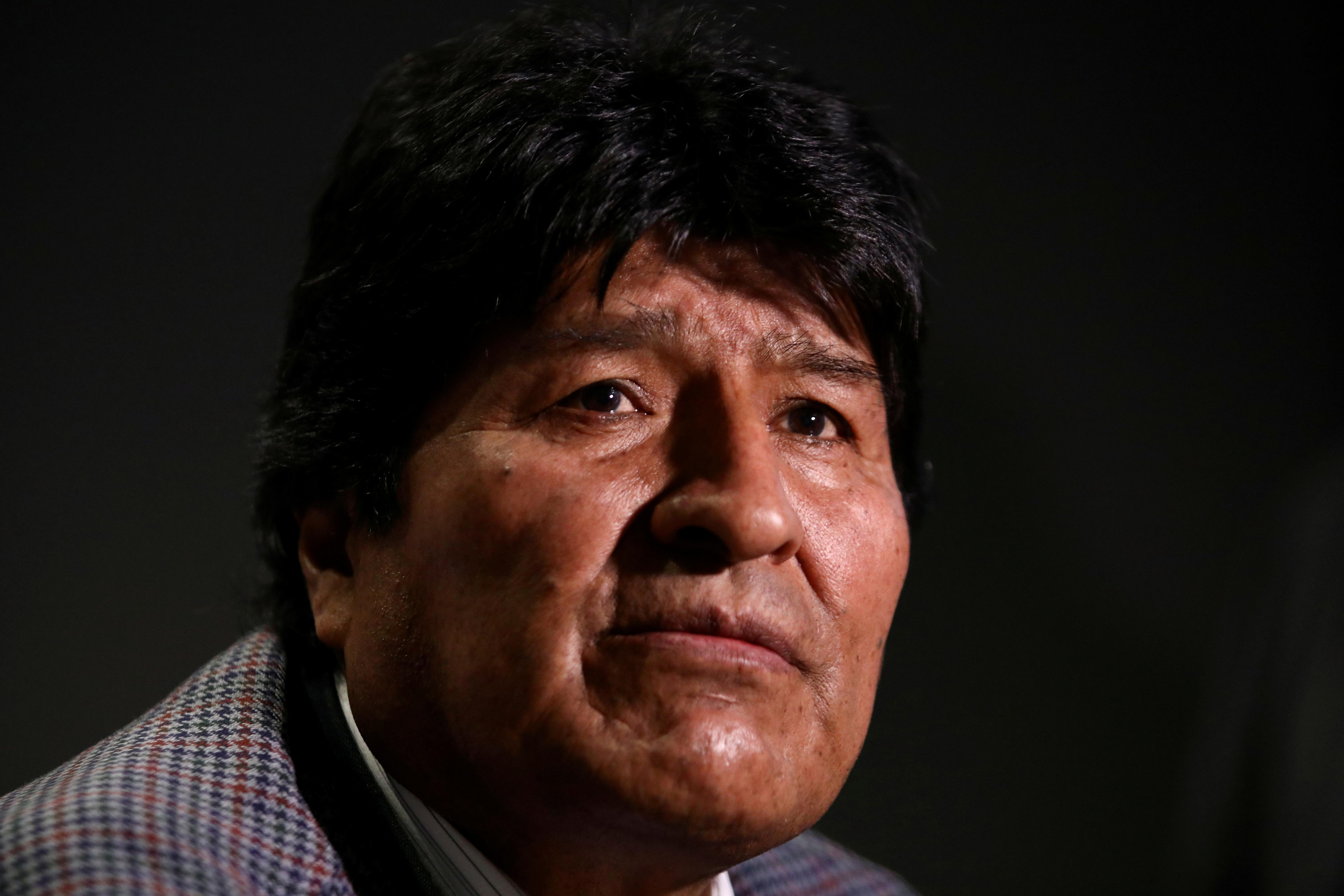 Bolivia's Morales arrives in Argentina, to get refugee status