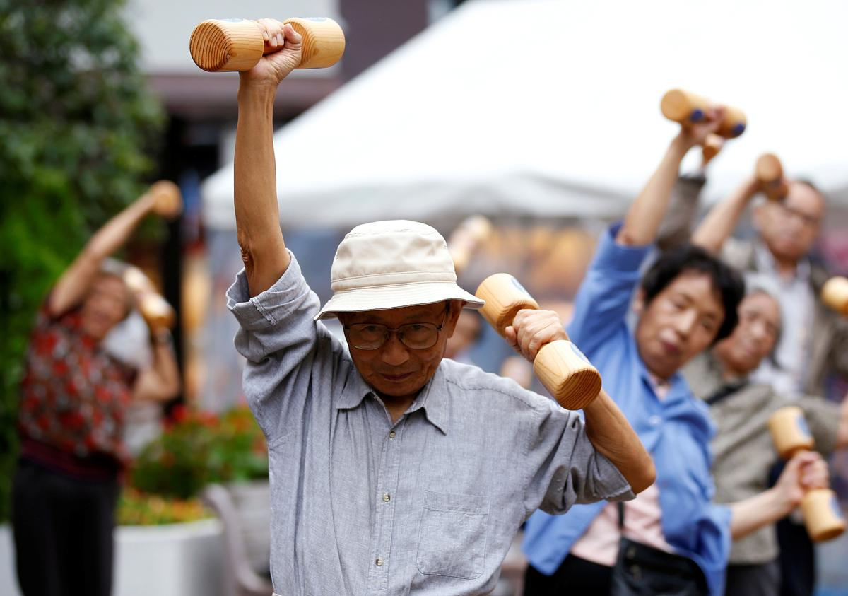 Exercise reduces falling risk for older adults