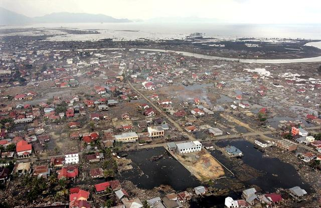 We Can T Be Afraid Rebuilding In Indonesia S Tsunami Zone Leaves City In Peril Reuters