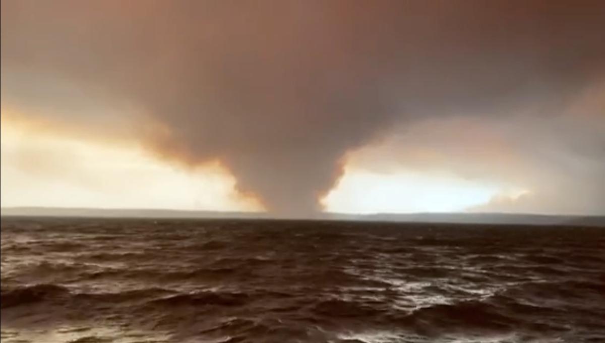 Australian bushfires claim third victim as authorities struggle to reach cut-off areas