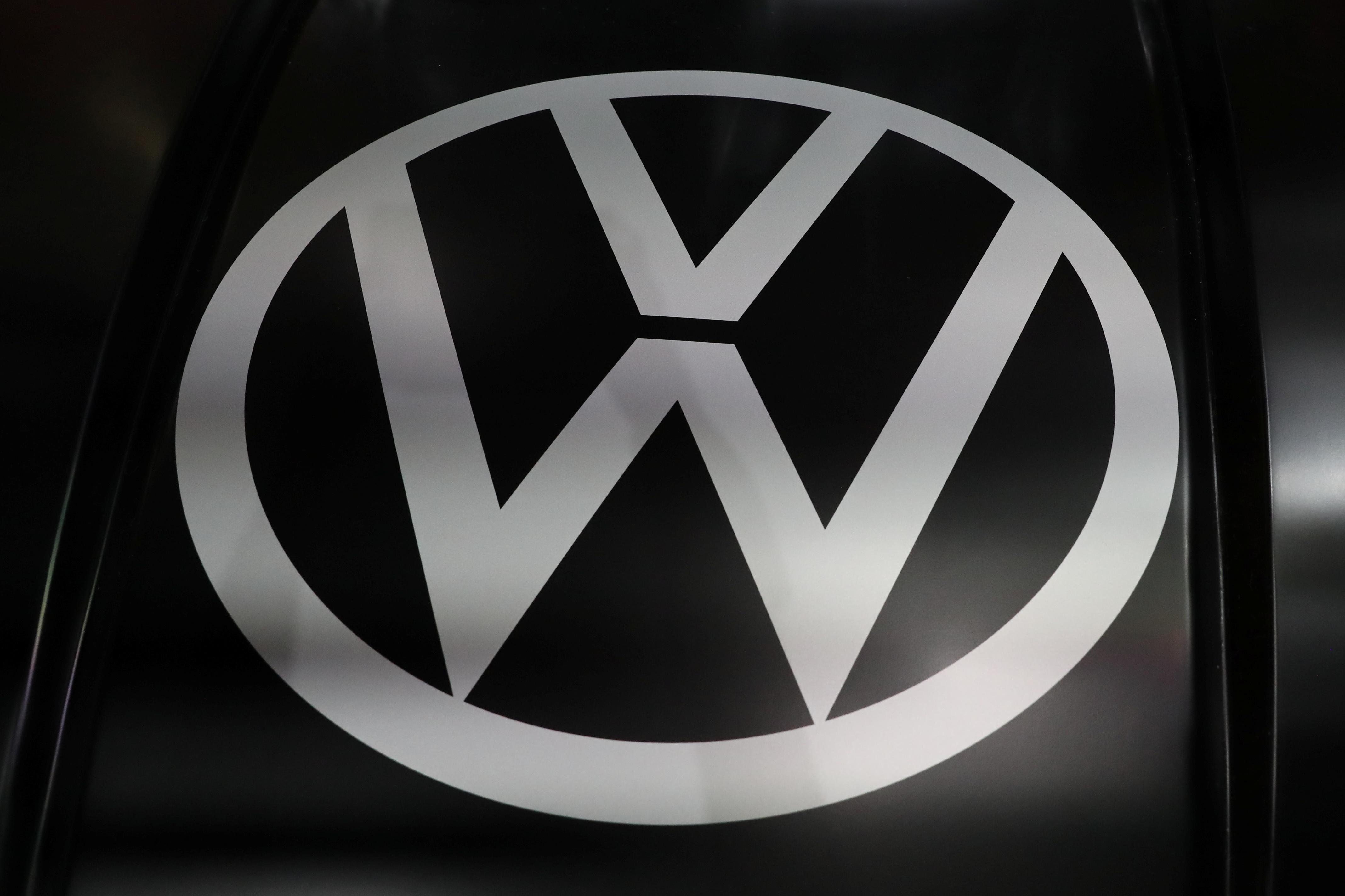 VW starts settlement talks with German consumer groups over diesel...