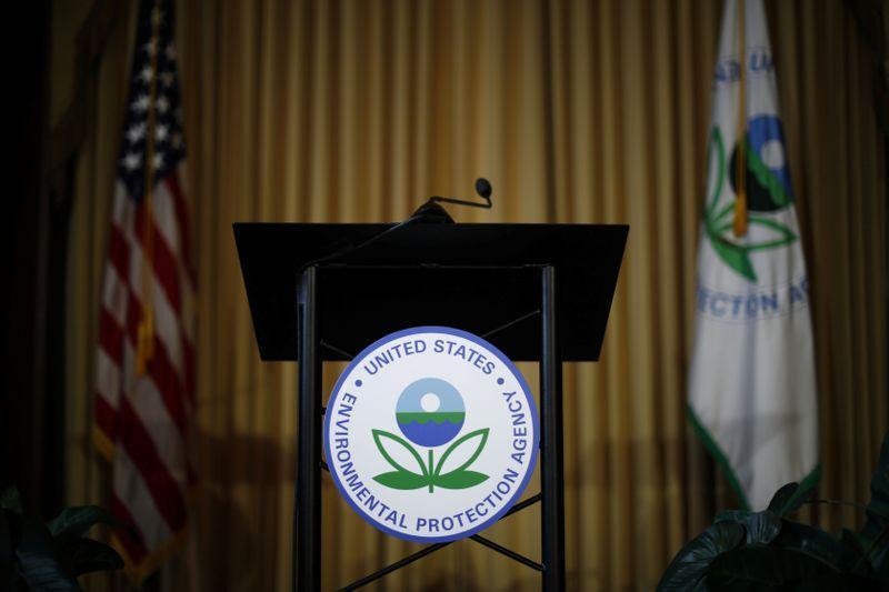U.S. EPA to advance plan to cut heavy-duty truck emissions