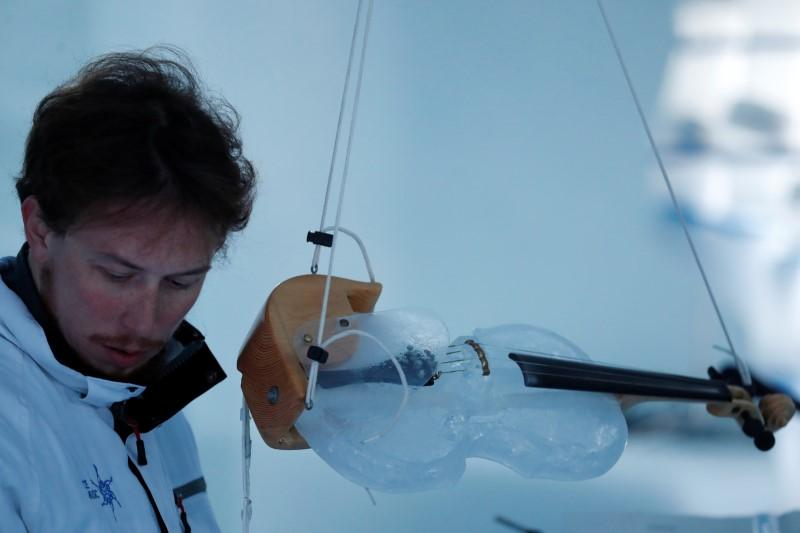 Eine kleine Eismusik: take it in on Italy's disappearing glacier