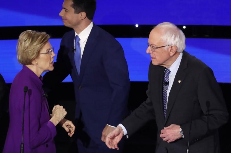 Sanders et Warren se disputent une remarque contestée sur les chances d'une femme candidate de vaincre Trump