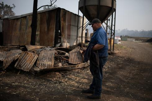 Fires rage across Australia