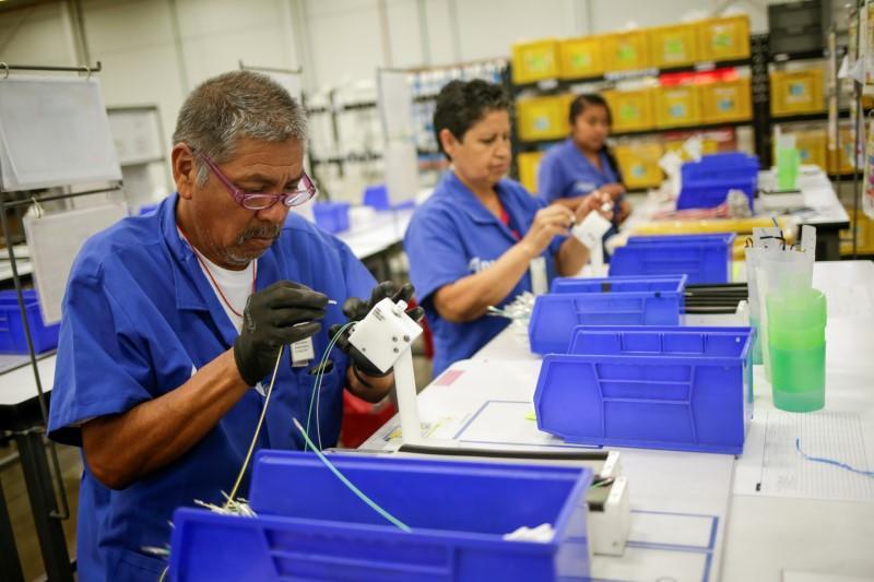 Senate passes North America trade deal, Canada still to approve