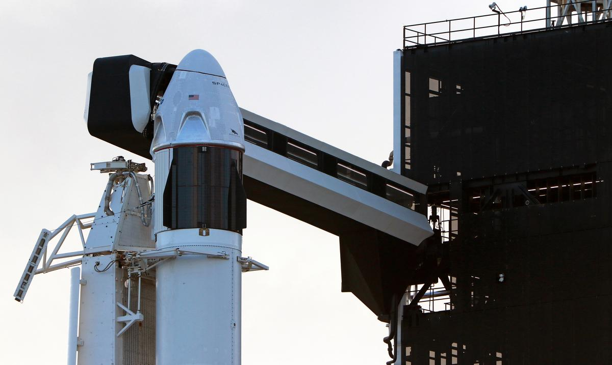 Musk's SpaceX to simulate rocket failure in final astronaut capsule test