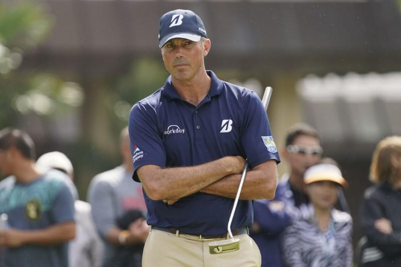 Blistering Kuchar jumps into Singapore lead after birdie binge