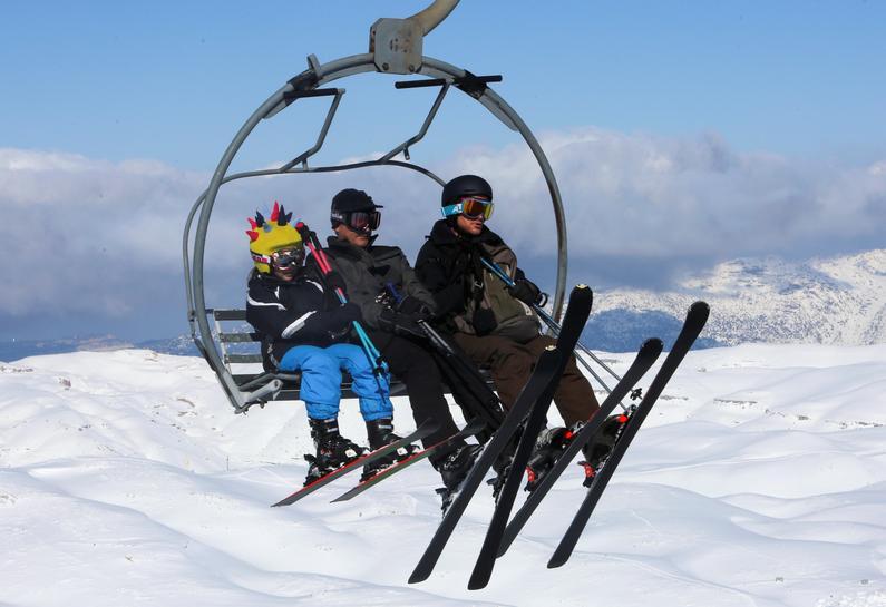 Despite great snow, Lebanon's ski slopes suffer in economic crisis
