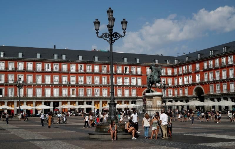 Spain's 2019 tourist arrivals hit new record high, minister upbeat on trend