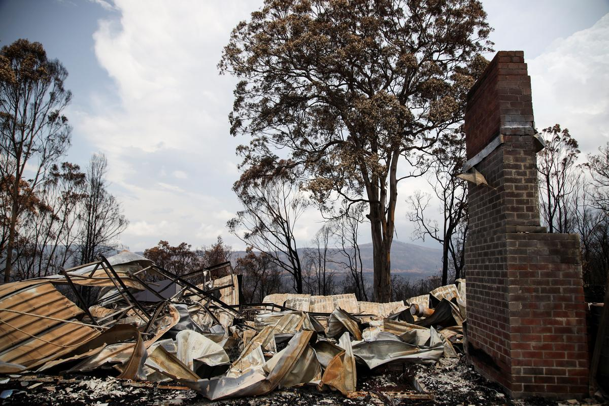 Australian bushfires hit coal output, hazardous conditions to return