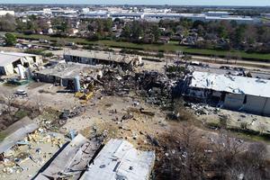 Explosion rips through Houston neighborhood