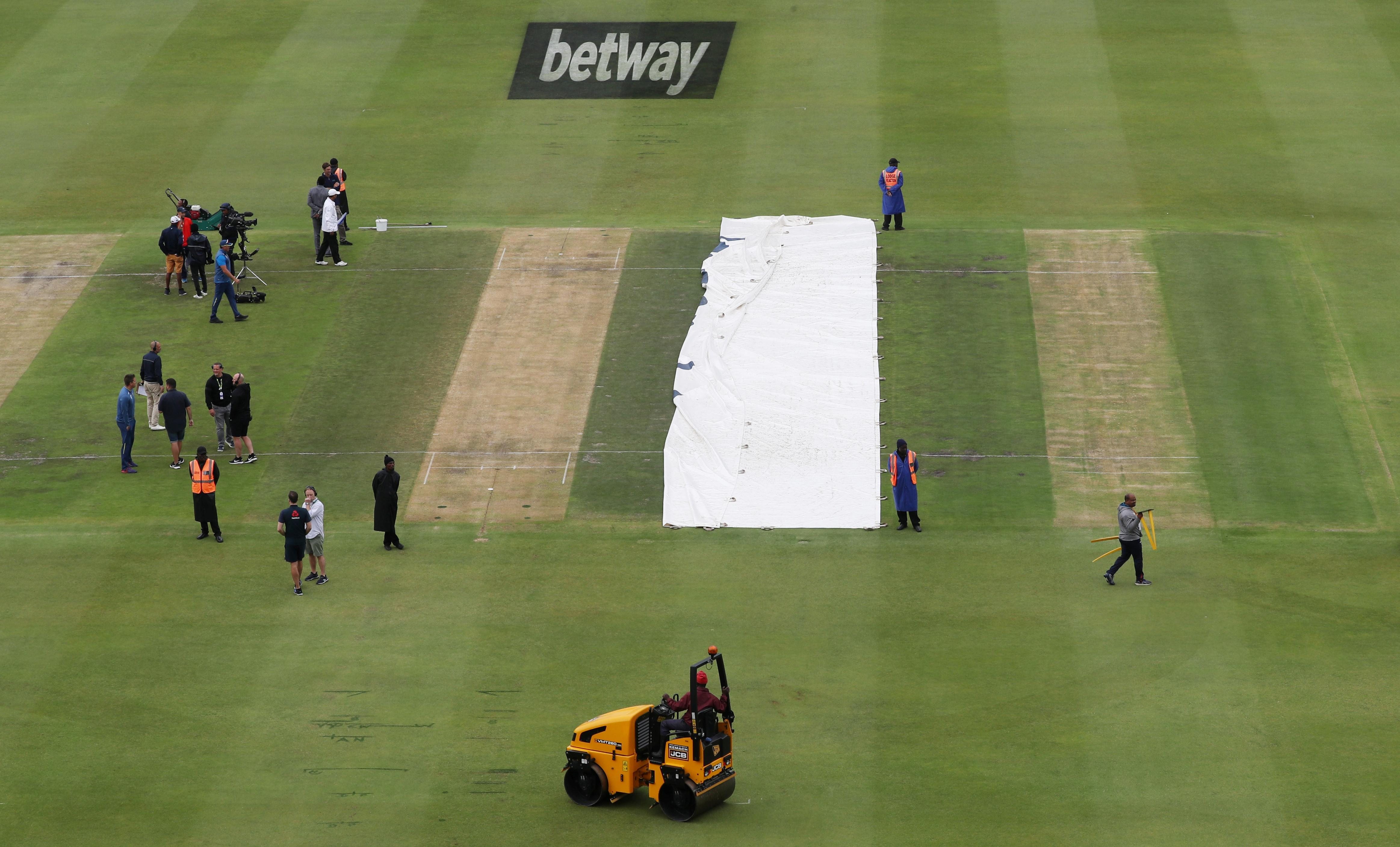 England on top with bat and ball as South Africa struggle