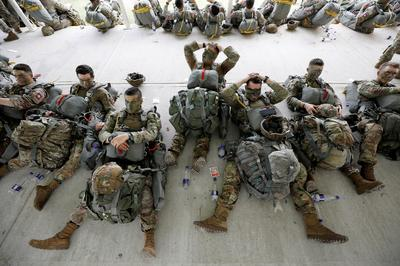 U.S. paratroopers conduct airborne exercises in Colombia