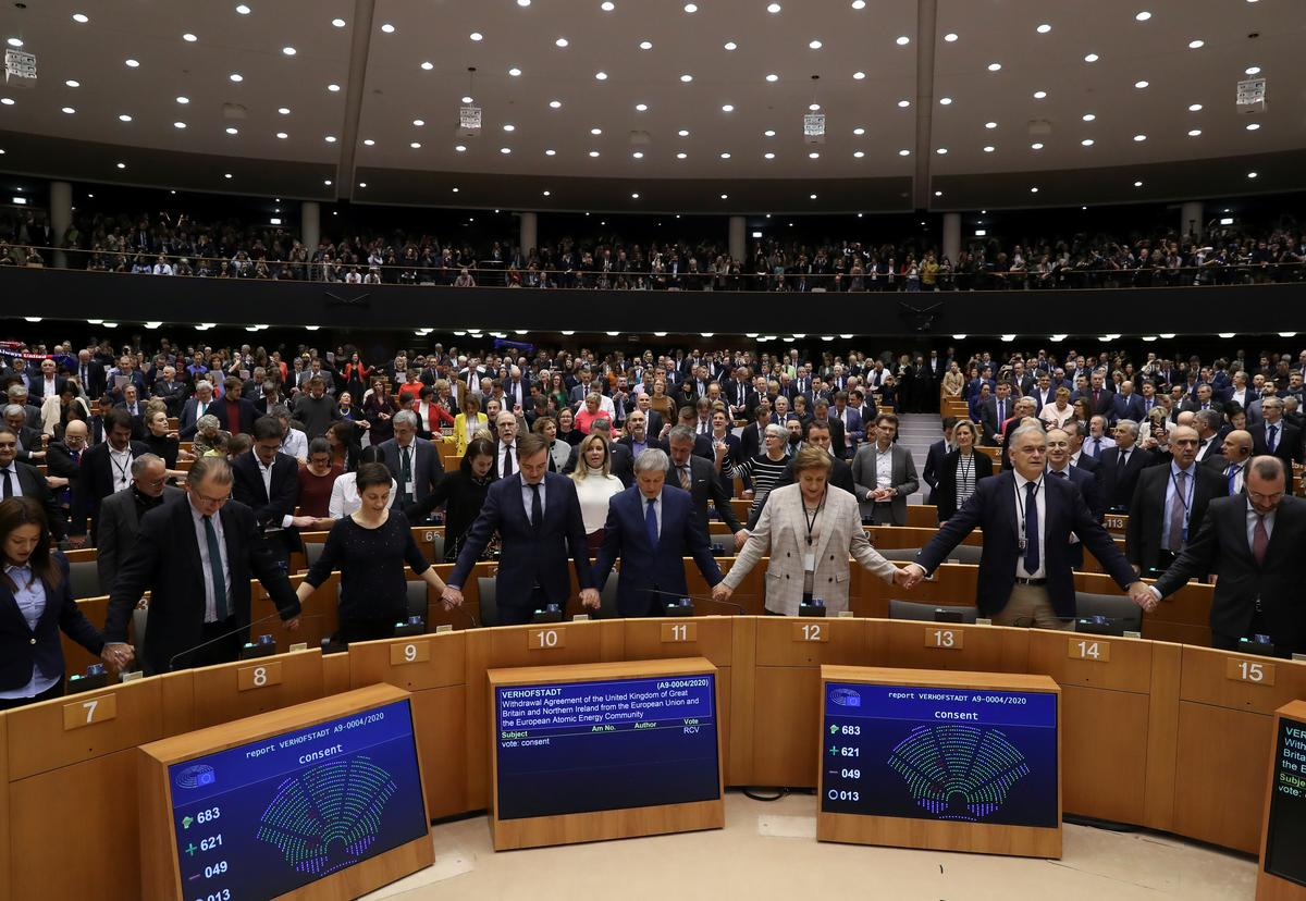 Tears and cheers as EU lawmakers give final nod to Brexit