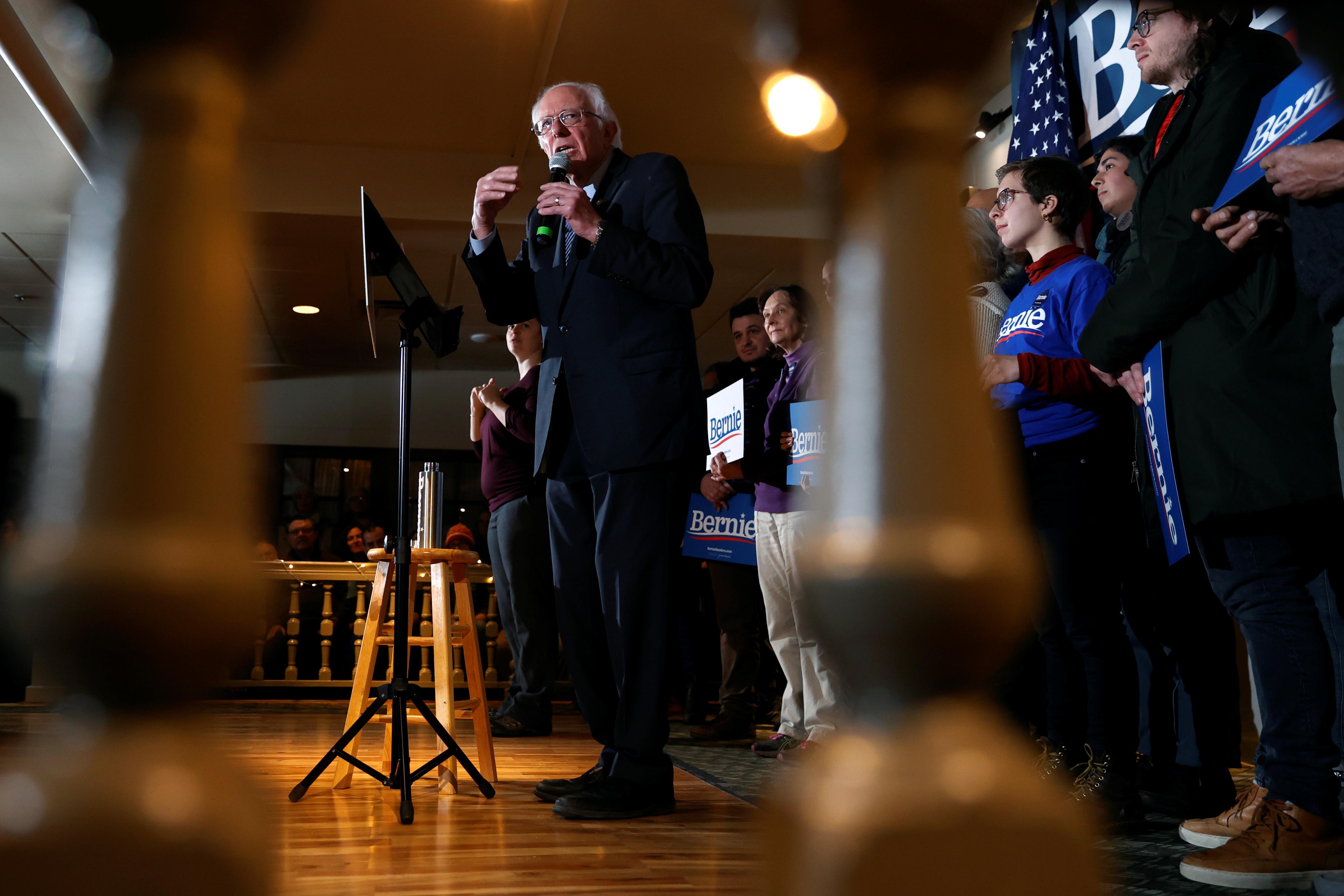 Sur la piste 2020: Sanders blâme Buttigieg pour avoir pris des dollars milliardaires