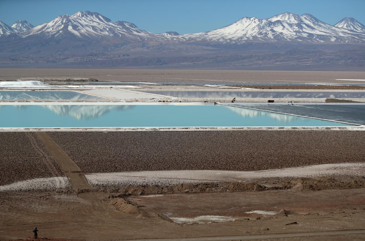 Exclusive: Germany's Volkswagen and Daimler push for more 'sustainable' Chile lithium