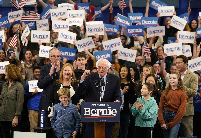 Les démocrates se tournent vers le Nevada et la Caroline du Sud après la victoire serrée de Sanders dans le New Hampshire
