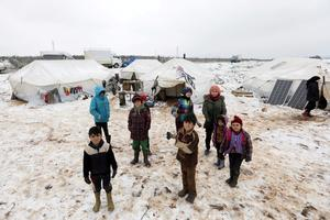 Displaced Syrians face bitter Idlib winter