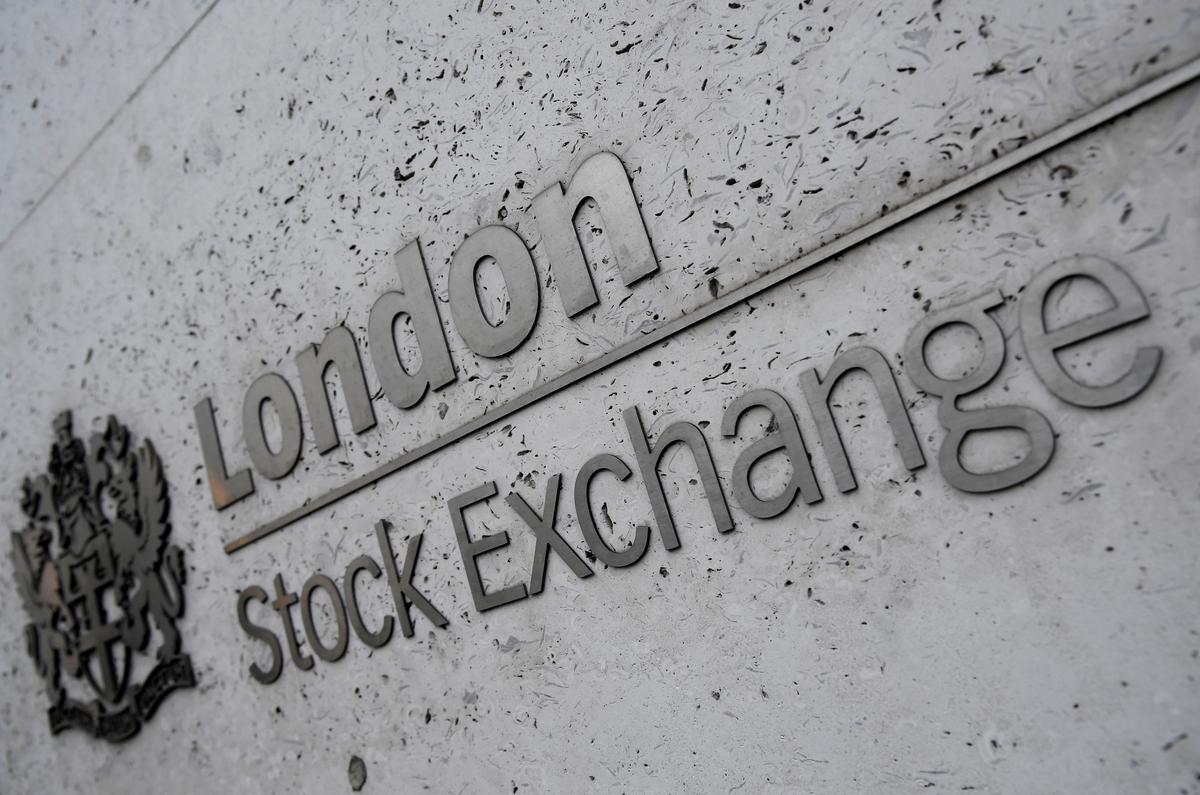 FTSE 100 ends week lower after week AstraZeneca, RBS results