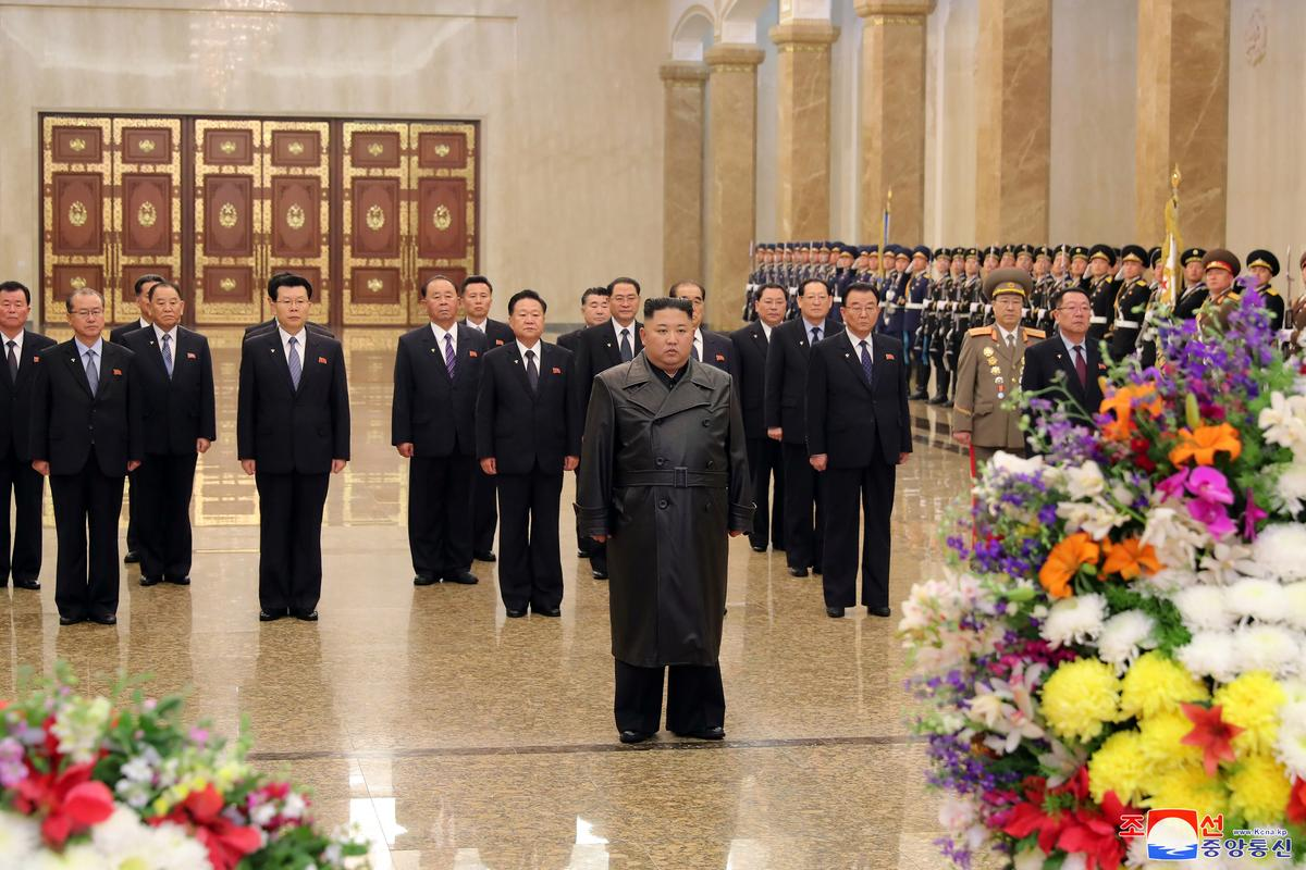 North Korea's Kim jong Un visits his father's mausoleum, pays tribute: KCNA