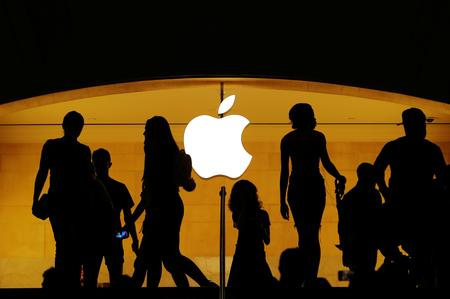 Coronavirus threatens Apple supply chain, sales; shares drop