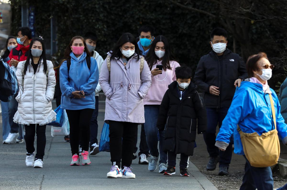 Japan warns of coronavirus hit on tourism but keeps 40 mln visitor target