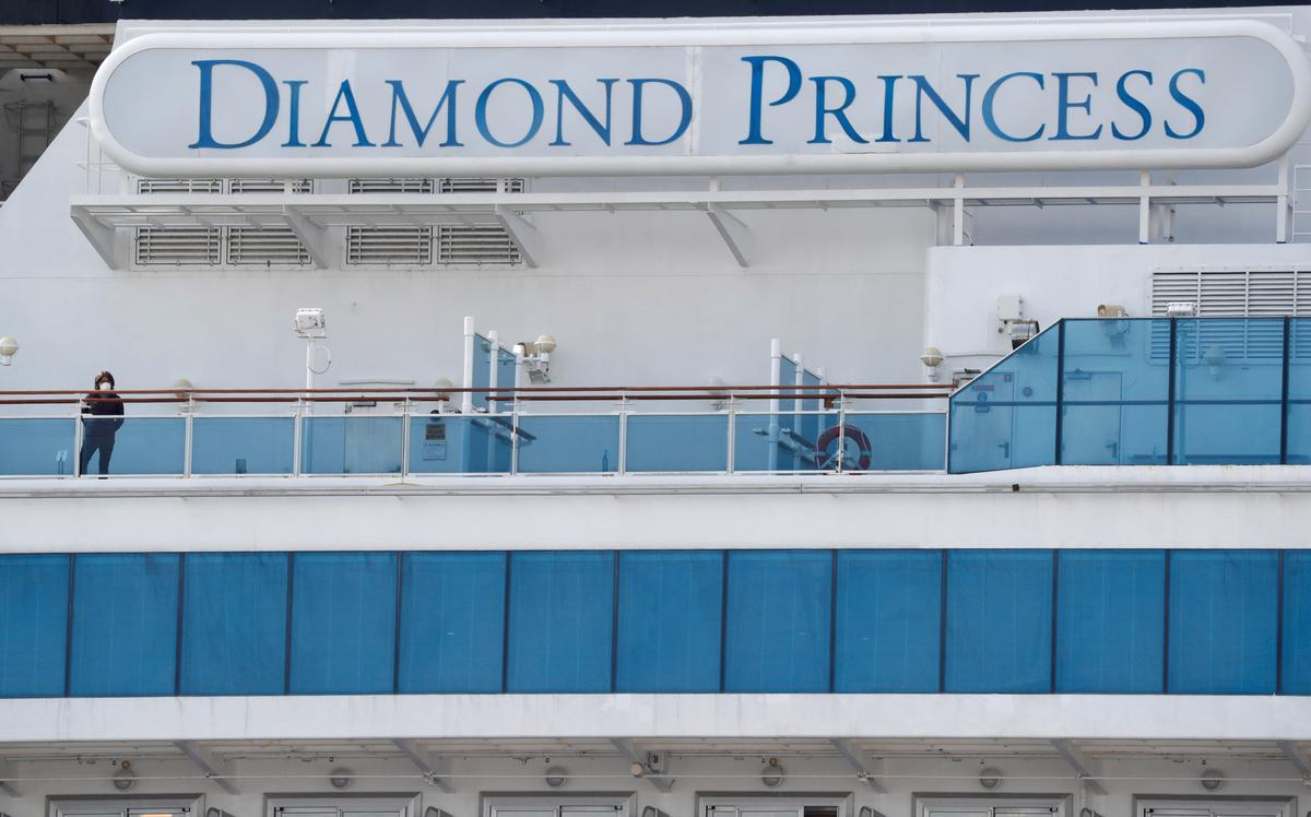 First batch of Diamond Princess Passengers arrive in Hong Kong to face further quarantine