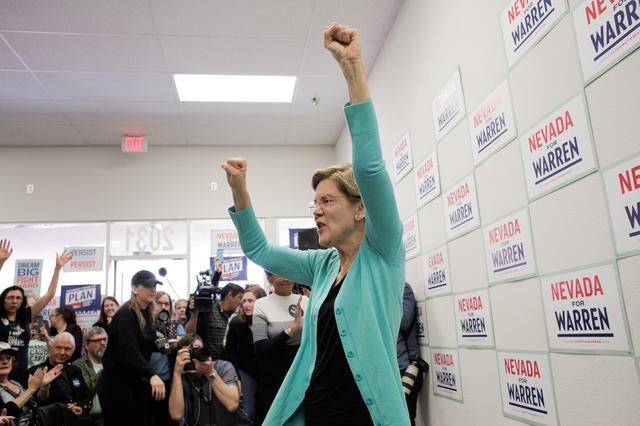 U.S. Democratic presidential candidate Senator Elizabeth Warren holds a ''Canvass Kickoff'' event at her campaign field office in North Las Vegas, Nevada, U.S. February 20, 2020.   REUTERS/David Ryder