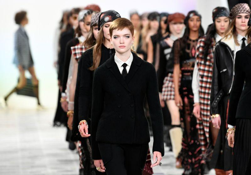Dior plays with 1970s influences at Paris Fashion Week