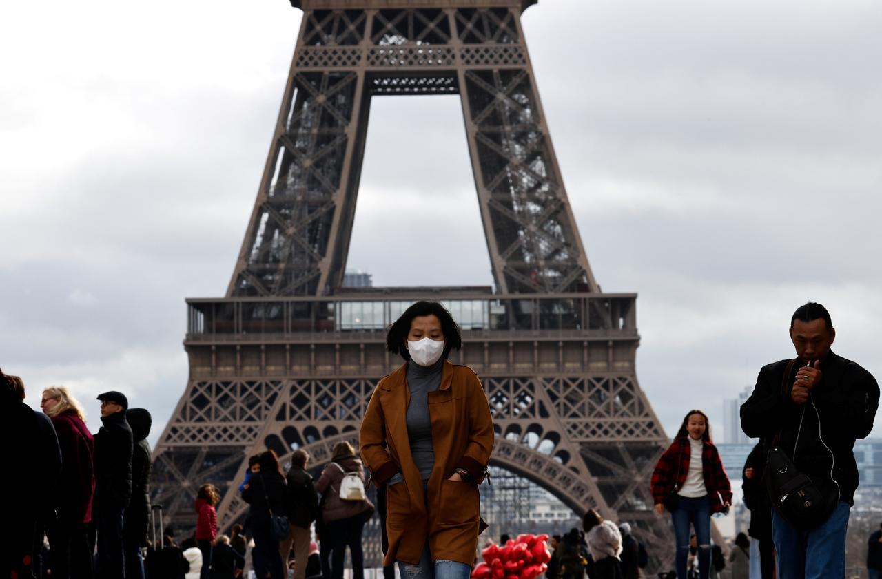 パリ コロナ ウイルス