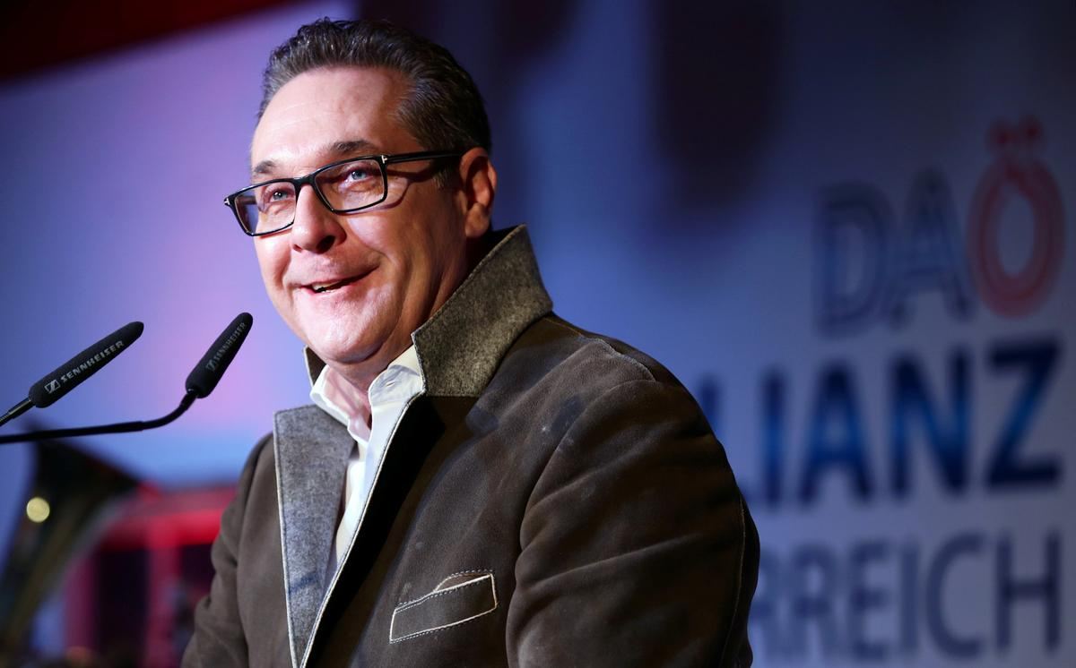 Former Austrian far-right leader Strache runs again with splinter group