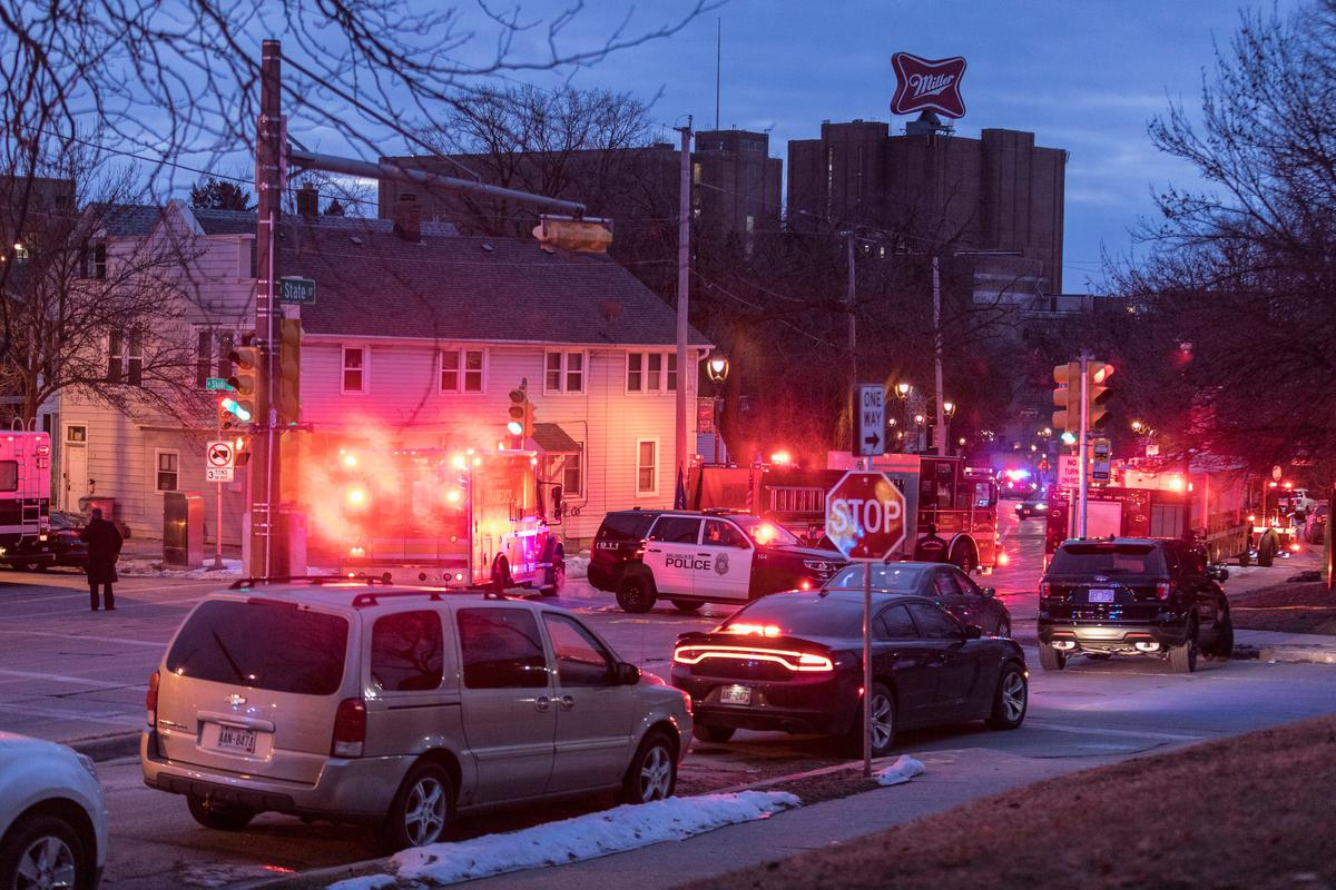 Gunman kills five co-workers and himself in Molson Coors brewery shooting in Milwaukee