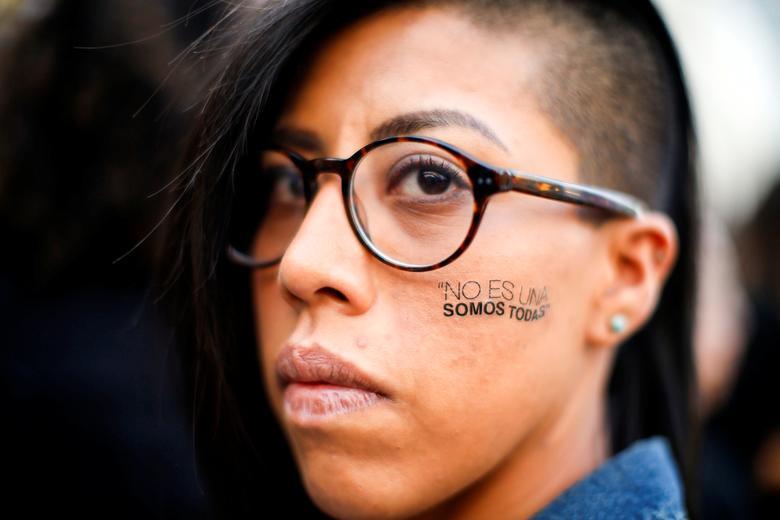 Mexico's women protest gender violence   Reuters.com