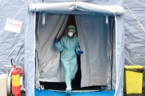 Coronavirus grips Italy in Europe's worst outbreak