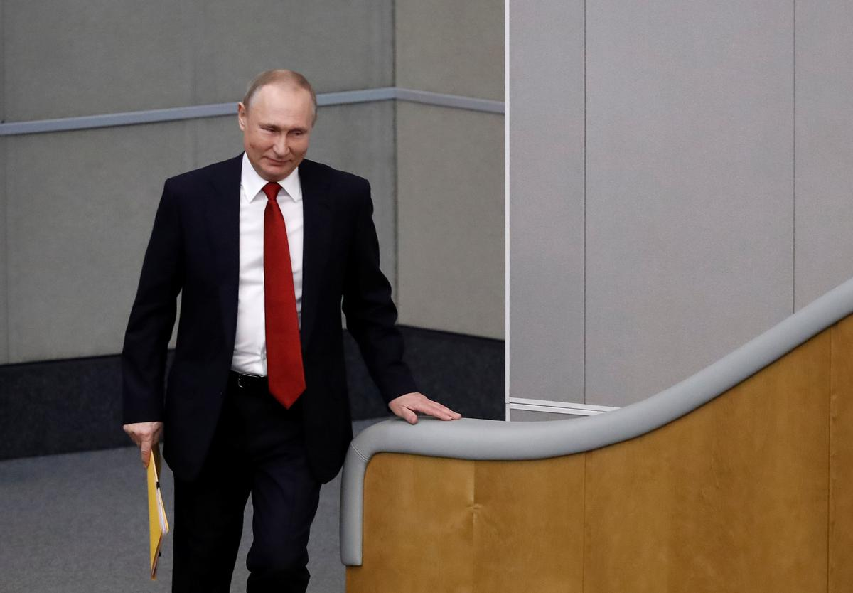 Russian parliament backs changes allowing Putin to run again for president